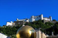 Guía práctica para recorrer Austria por libre http://www.viajeroscallejeros.com/viaje-austria-en-coche-de-alquiler/…