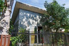 แบบบ้านลอฟท์ ชั้นครึ่ง งบ 5 แสนบาท Loft House, Tiny House, Modern Loft, Townhouse, Outdoor Structures, Architecture, House Styles, Places, Interior