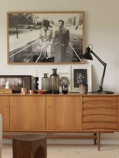 Marvelous ein alter FernsehTisch sideboard Telefontisch in der R ckwand befindet sich ein gro er Ausschnitt
