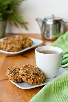 Healthy carrot cake breakfast cookies...packed with protein and fibre! Guess what? They also taste great! post has nutritional info #recipes #vegan