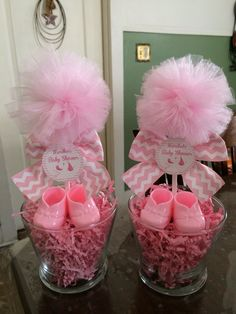 DIY Baby Shower Centerpieces for Girls Baby Shower – Tulle Rosa Schuhe und Tüll Topiary Tulle Baby Shower, Baby Shower Chevron, Baby Shower Crafts, Shower Bebe, Baby Girl Shower Themes, Girl Baby Shower Decorations, Baby Shower Princess, Baby Boy Shower, Baby Showers