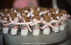 idee mariage presentation dragees retro chic rose gris petits flacons Melle Cereza blog mariage