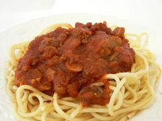 MIH (Mommy I'm Hungry)  Product Reviews & Giveaways: Mom's Spaghetti Bolognese Sauce : ldylvbgr.blogspot.com