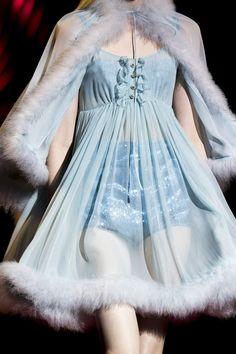 Aesthetic Fashion, Look Fashion, Aesthetic Clothes, High Fashion, Fashion Show, Fashion Outfits, Fashion Design, Fashion Weeks, Blue Fashion