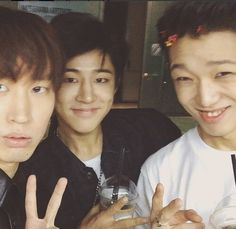 Tablo looks confuse as hell. Habin does his always cute smile and bobby looks happy as f*** XD