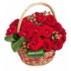 Cos cu trandafiri de Sfantul Valentin