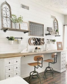 30 Best Retro Inspired Spaces Images Retro Office Retro Vintage Office