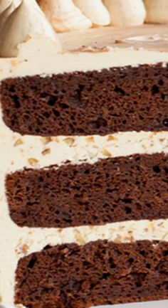 Chocolate Bourbon Pecan Cake - chocolatey cake with brown sugar buttercream infused with bourbon and pecans. Bourbon Cake, Chocolate Bourbon, Best Chocolate, Chocolate Recipes, Best Dessert Recipes, Fun Desserts, Sweet Recipes, Cake Frosting Recipe, Frosting Recipes