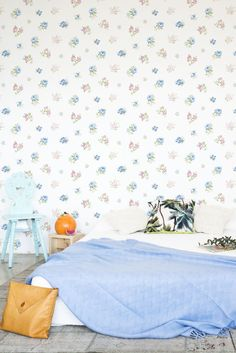 Lisianthus by Coordonne is a floral wallpaper design perfect for a pretty style bedroom #floralwallpaperbedroom