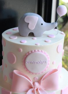 Love this charming elephant baby shower cake for girl. Perfect for a pink and gray elephant baby shower theme. Hearts and polka dots! Elephant Birthday Cakes, Elephant Baby Shower Cake, Elephant Cakes, Elephant Party, Elephant Theme, Pink Elephant, Cake Birthday, Elephant Design, Torta Baby Shower