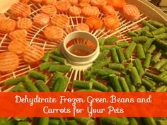 How to dehydrate crispy green beans and carrots for your pets. This is super simple and over time cheaper than buying similar treats. My dehydrator has already paid for itself in savings! Puppy Treats, Diy Dog Treats, Homemade Dog Treats, Dog Treat Recipes, Healthy Dog Treats, Dog Food Recipes, Healthy Eats, Dehydrator Dog Treats, Dehydrator Recipes