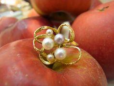 Gelbgoldring mit Perle