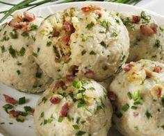 Rezept: Knödel mit Sauerkraut-Speck-Füllung