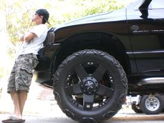 truck rims with stars. They are sweet I want on my truck Jacked Up Trucks, Dodge Trucks, Pick Up 4x4, Truck Rims, Dangerous Roads, Jeep Wrangler Accessories, Dodge Rams, Dodge Ram 1500, Boy Toys