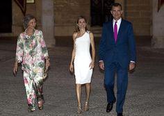 El Armario De Doña Letizia - Doña Letizia, de blanco nuclear en la calurosa noche mallorquina