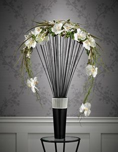 Crescent design. Flower arrangement. Floral design