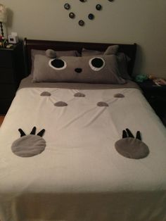 Totoro Bed- cute. Could make a Totoro blanket inspired by this.