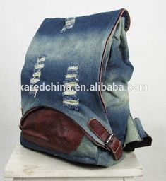 How to Rip Jeans Without Ruining Them? Diy Jeans, Denim Bags From Jeans, Mochila Jeans, Denim Backpack, Denim Ideas, Denim Crafts, Recycled Denim, Fabric Bags, Handmade Bags