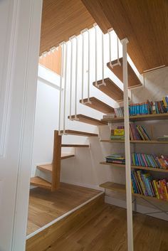 Jo-a : Hugo Floating Staircase - a challenging stair design in a small space