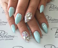 Honeymoon nails love the color!
