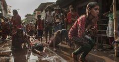 20160412 - Devotos participaram de ritual do festival hindu Shiva Gajan, em Calcutá, na Índia. No evento, os participantes oferecem sacrifícios na esperança de ganhar favores do deus Shiva e de garantir a realização de desejos. O festival também marca o fim do ano no calendário da etnia bengali Imagem: Tumpa Mondal/Xinhua