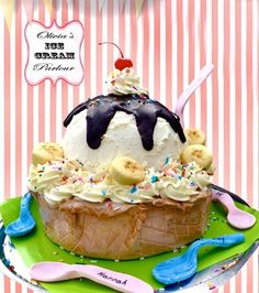 """Decadent Ice Cream Sundae Cake """"Ice cream"""" is a french vanilla cake, filled with raspberry buttercream and covered in french. Ice Cream Treats, Ice Cream Desserts, Ice Cream Party, Fancy Desserts, Cupcakes, Cake Cookies, Cupcake Cakes, Beautiful Cakes, Amazing Cakes"""