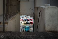 Down the Stairs of Ponza (Apecar)