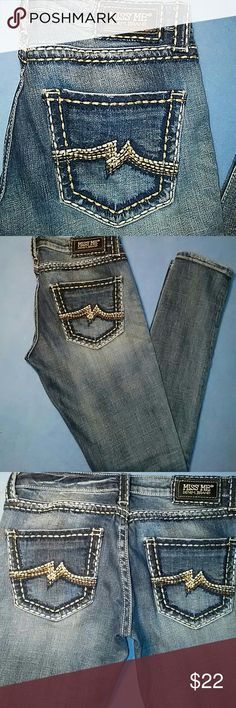 """MISS ME SKINNY JEANS-SIZE 26-GREAT CONDITION -Miss Me Skinny Jeans -Size 26 -Great Condition, my daughter said she only wore them a few times -No holes, snags, or tears -No rivets or buttons missing -5 Pockets -98% Cotton, 2% Elastane , Waistline measures 16"""", laying flat -Inseam measures 33"""", in length Miss Me Jeans Skinny"""