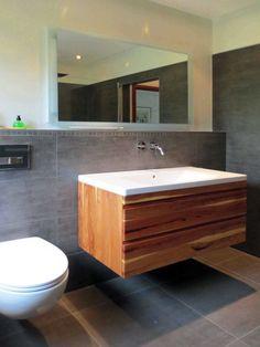 Badezimmer von xora harmonie in wei eichefarben for Badezimmer xora