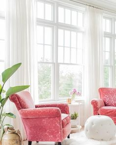 Pink Accent Chair Living Room via K Marshall Design Pink Living Room Furniture, Pink Dining Rooms, Retro Dining Chairs, Bistro Chairs, Living Room White, Accent Chairs For Living Room, Vintage Chairs, Living Room Colors, Dining Room Chairs