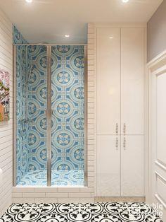 4. Fürdőszoba - épített zuhanyfülke, fehér és színes burkolatok, szürkésbarna fal