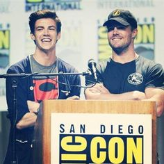 Stephen Amell and Grant Gustin #SDCC