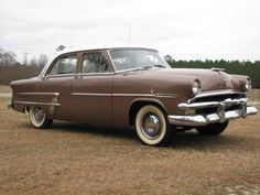 1953 Ford Customline 4-Door Sedan