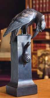 ATTRIBUÉ À HEINRICH VOGELER CORBEAU ET ESCARGOT, VERS 1900 En tilleul noirci Hauteur : 36 cm. (14 3/16 in.) ; Largeur : 19 cm. (7½ in.) ; Profondeur : 11 cm. (4 3/8 in.) Monogrammé HV au dos