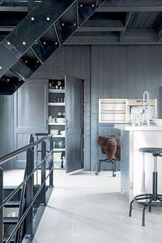 grijze kastenwand keuken