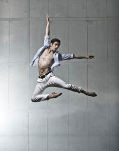 Frederico Bonelli. Hot ballet dancer.  Photograph by Johan Persson.  Royal Ballet...