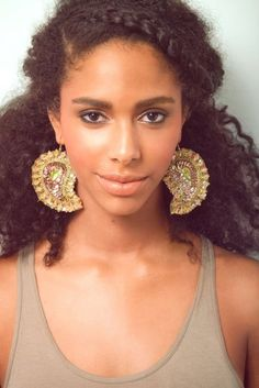 Melody's hair for the wedding. Natural Black hairstyles part two: the bigger the better! | Offbeat Bride