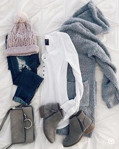 fall winter outfits Once In a While, The Women of - winteroutfits Black And White Outfit, White Outfits For Women, Black Outfits, Black White, Grey Boots Outfit, Cozy Winter Outfits, Fall Outfits, Casual Outfits, Outfit Winter