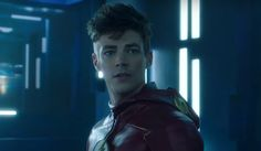 The Flash's Midseason Finale Trailer Puts Barry Right In The Thinker's Clutches #FansnStars