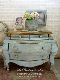 """Blue Shabby, chest """"commode tombeau"""" - French dollhouse furniture in 1:12th scale"""
