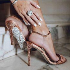 Sexy Heels, High Heels, Shoes Heels, Stilettos, Rene Caovilla Shoes, Love Couture, Pnina Tornai, Nail Polish, Girls Heels