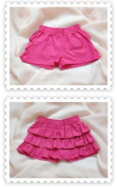 short niña - Buscar con Google Toddler Girl Dresses, Little Girl Dresses, Girls Dresses, Girls Blouse, Girls Pants, Short Niña, Tennis Skirts, Frocks For Girls, Baby Girl Fashion