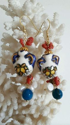 ORECCHINI CON BROCCHE  CERAMICA DI CALTAGIRONE ,PERLE, CORALLO ,Argento | Orologi e gioielli, Bigiotteria, Orecchini | eBay! Ceramic Jewelry, Felt Diy, Sicily, Luigi, Wool Felt, Jewerly, Ceramics, Drop Earrings, Beads