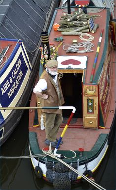 Most Popular Power Boats and Why to Use Them – Voyage Afield Barge Boat, Canal Barge, Canal Boat Art, Canal E, Narrowboat Interiors, Shanty Boat, Dutch Barge, Boat Painting, Boat Stuff