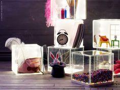 Ett showroom i miniformat att visa upp hemma. SYNAS LED belysningslåda i ABS-plast och karbonatplast.