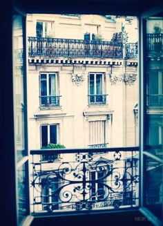 I lived at a place in Paris once, with the same kind of view