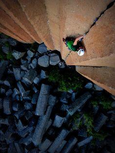 clamber climb