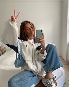 Winter Fashion 158892693091364249 - discover all our jewels and get discount ✨ kpop Idée de tenue – Outfit Ideas – Clothes Source by arianeburgelin Mode Outfits, Retro Outfits, Cute Casual Outfits, Vintage Outfits, Fashion Outfits, Diy Outfits, Chill Outfits, Party Fashion, Fashion Shoes
