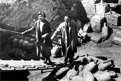 Viaggio in Italia, 1954 Ingrid Bergman, George Sanders, Pompei, regia di Roberto Rossellini ©Everett Collection