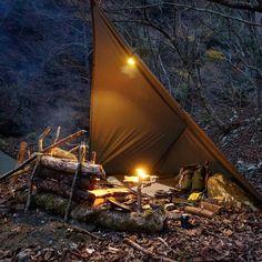 "1,775 Me gusta, 8 comentarios - GEORGIA BUSHCRAFT (@georgiabushcraft) en Instagram: ""Love this camp! Repost @kuni_camp #bushcrafting #bushcraft #camping#solocamping#campinglife…"""